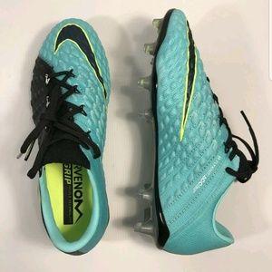 c0d85ee3f39 Nike Shoes - Women s Hypervenom flyknit ACC